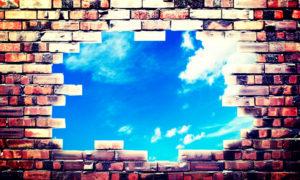 壁に空いた穴のイメージ